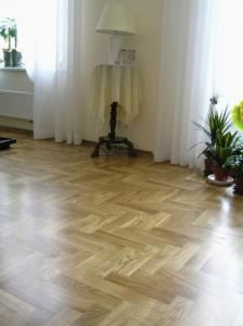 1Solid Strip Parquet Oak Natur Gallery