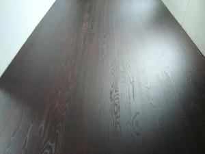 Suunnitellut puulattiat sävytetty harjattu lakattu -galleria